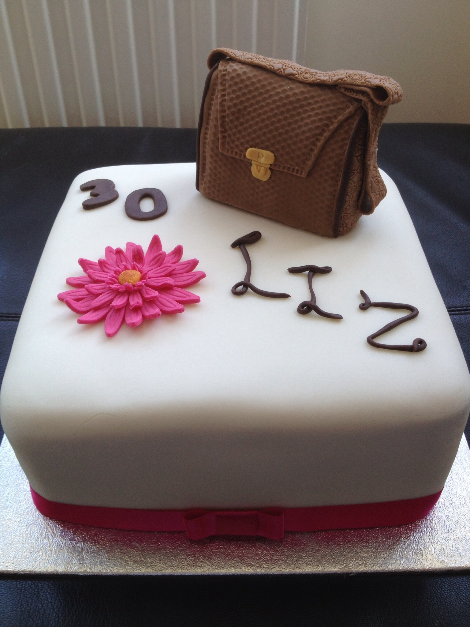 Cakemad Creating Imaginative Cakes For Any Occasion